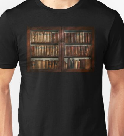 Librarian - In the library Unisex T-Shirt