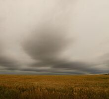 The angry sky near Oz by agenttomcat