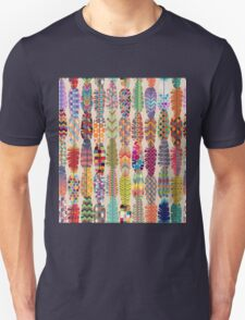 Seamless Feather Pattern Background Unisex T-Shirt
