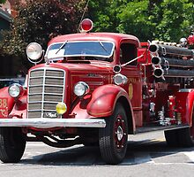 Mack 1938 Fire Truck by John Schneider