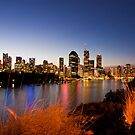 Brisbane at Magic Hour - Kangaroo Point by liming tieu