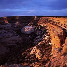 Golden horseshoe of the Eagle Canyon, UT by arvyart