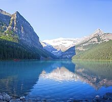 Lake Louise Panorama - Alberta, Canada by Yannik Hay