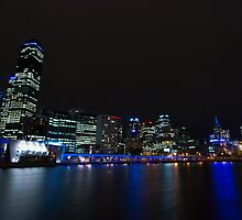 Melbourne at Night by rflower