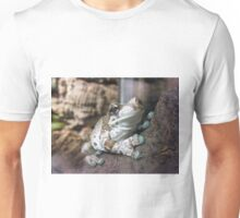 Blue toed tropical frog Unisex T-Shirt