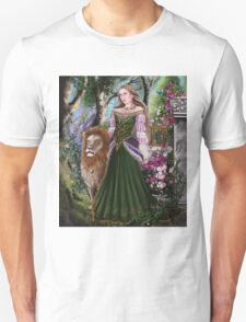 Queen of lions fairy fantasy,medieval lady  T-Shirt