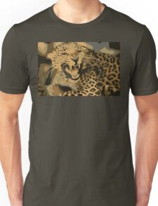 Wild leopard in 7 colors Unisex T-Shirt