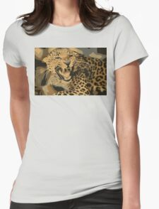 Wild leopard in 7 colors T-Shirt