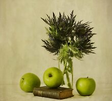 Green apples and blue thistles by Priska Wettstein