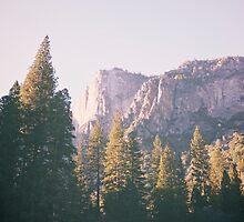 Yosemite by vvinicius