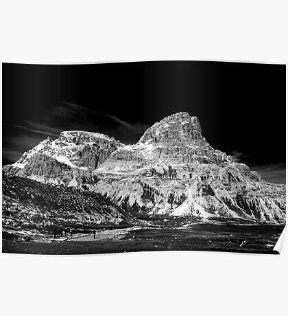Lavaredo Three Peaks - a tour and a detour. Poster