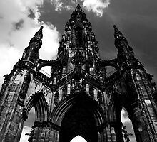 Scott Monument by Lesley Williamson