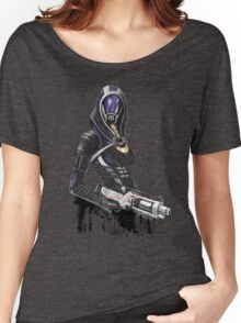 She has a shotgun Women's Relaxed Fit T-Shirt