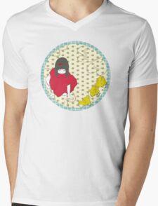 Sarah and her chicks Mens V-Neck T-Shirt