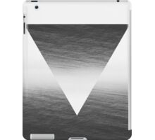 ∇ V iPad Case/Skin