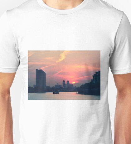 Sunset over Thames  Unisex T-Shirt