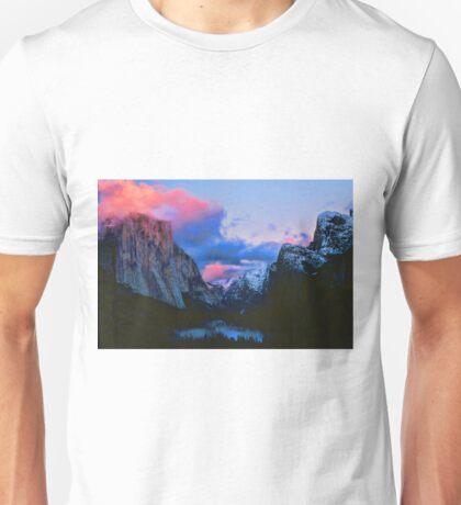 DUSK,YOSEMITE VALLEY Unisex T-Shirt
