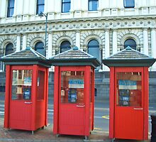 Phone Boxes - Dunedin by pennyswork