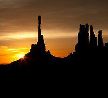 Monument Valley Sunrise by rwilks