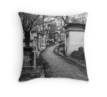 Père Lachaise Cemitière Throw Pillow