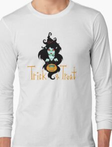 Cute Halloween Witch. Trick or Treat! Long Sleeve T-Shirt