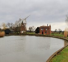 Hunsett Drainage Mill  by chris2766