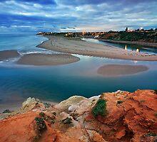 Port Noarlunga South by Bill  Robinson
