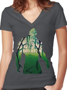 Swamp Thing Women's Fitted V-Neck T-Shirt