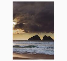 sunset at holywell bay, newquay UK Kids Tee