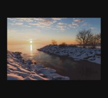 Brilliant, Bright and Cold - a Winter Morning on the Lake Shore Kids Clothes