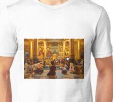 faithful Buddhists praying at Buddha Statues in SHWEDAGON PAGODA Unisex T-Shirt
