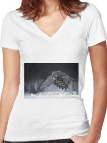 Great Grey Owl Women's Fitted V-Neck T-Shirt