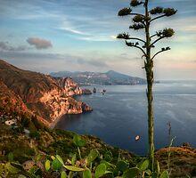 Vista panoramica dei Faraglioni di  Lipari by Andrea Rapisarda