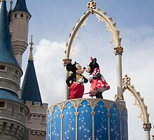 Mickey and Minnie Kiss in Magic Kingdom by ralovins
