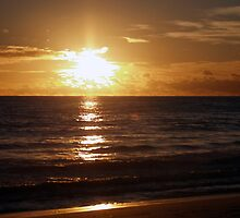 Sunset at Mullaloo Beach by Sonia  Lopresti
