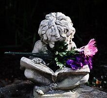 Statue at Minnetrista Center by mltrue