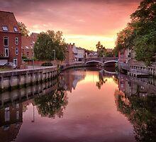Fye Bridge Dawn by Ruski