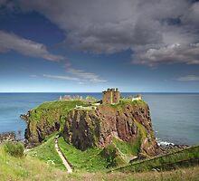 Dunnottar Castle by Maria Gaellman