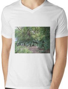 St Kitt jungle Mens V-Neck T-Shirt