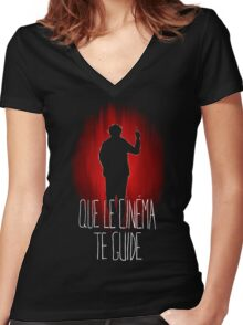 UM15 - QUE LE CINEMA TE GUIDE Women's Fitted V-Neck T-Shirt