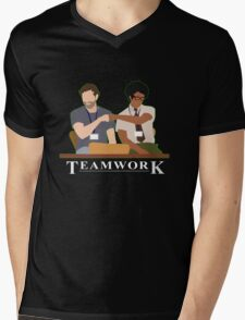 IT Crowd Teamwork Mens V-Neck T-Shirt