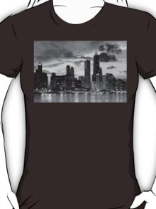 Chicago skyline in black and white T-Shirt