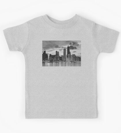 Chicago skyline in black and white Kids Tee