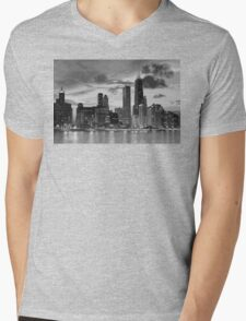 Chicago skyline in black and white Mens V-Neck T-Shirt