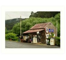 Wood's Point Service Station Art Print