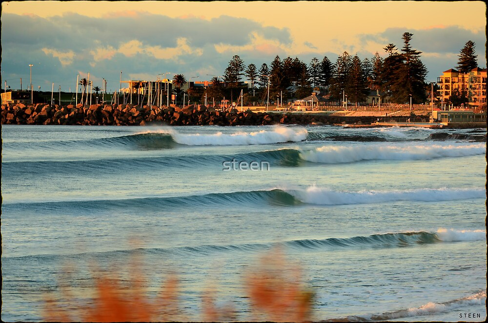 north wollongong beach by steen redbubble. Black Bedroom Furniture Sets. Home Design Ideas