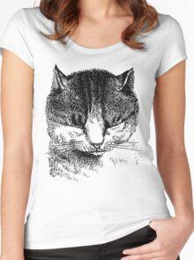 Kitten shutting its eyes Women's Fitted Scoop T-Shirt