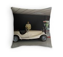 bogie loves the madison ford pinto 2.2ltr Throw Pillow