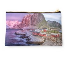 Reine's Changing of the Seasons Studio Pouch