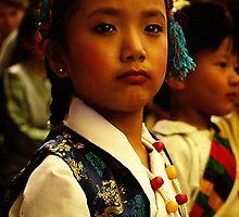 waiting. tibetan refugee girl. india by tim buckley | bodhiimages